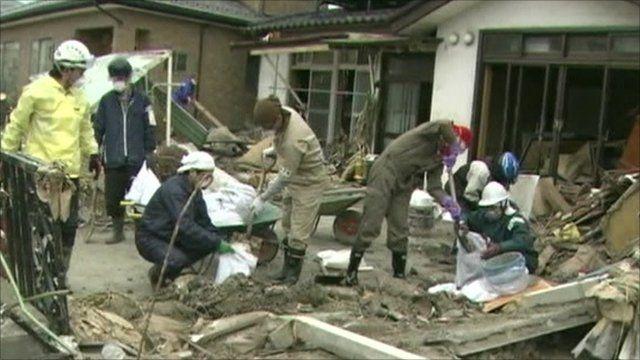 Volunteers clearing
