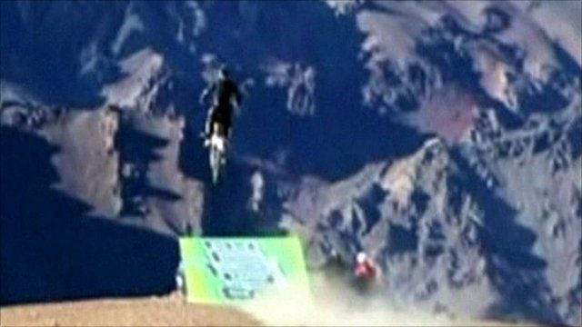 Base jumper Julio Munoz