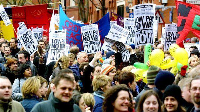 Teachers marching in 2002