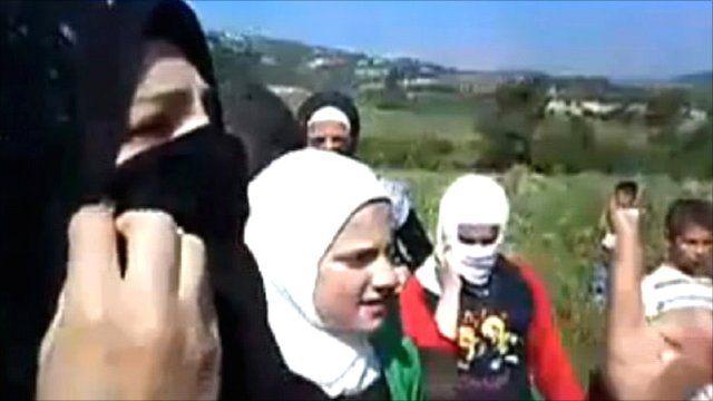 Refugees flee to Turkey from Jisr-al-Shughur
