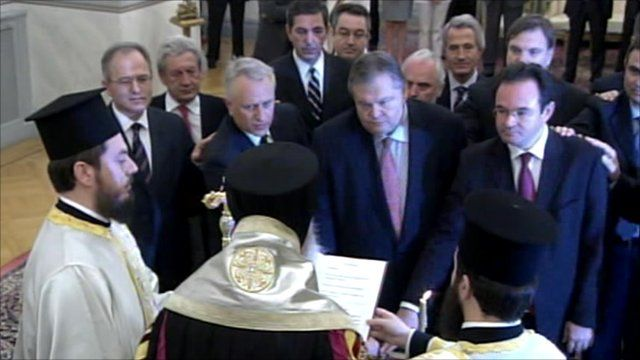 New Greek cabinet is sworn in after reshuffle