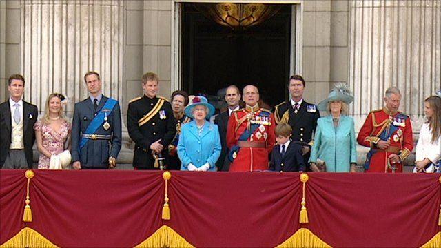 The Royal Family on balcony