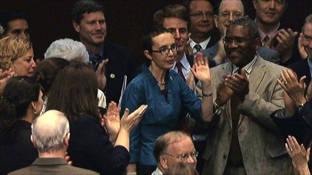 Congresswoman Gabrielle Giffords acknowledges the applause from her colleagues