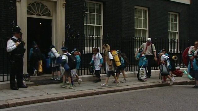 Scouts at No 10
