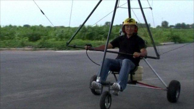 Zhang Qi and his flying machine