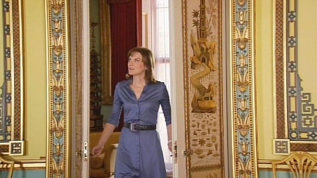 Fiona Bruce enters the centre room