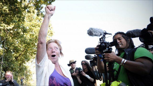 Traveller celebrates injunction at Dale Farm