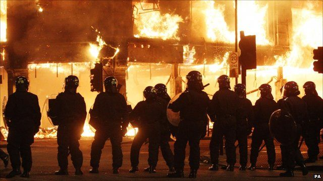 Police deal with rioting in Tottenham