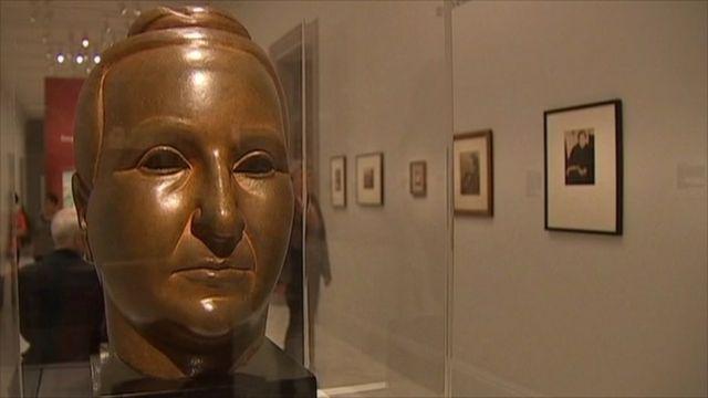Sculpture of Gertrude Stein