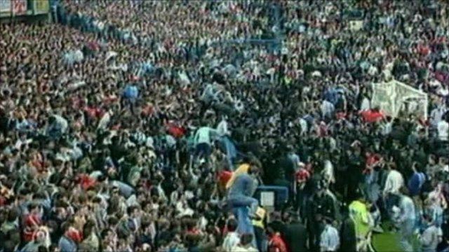 Crowded fans
