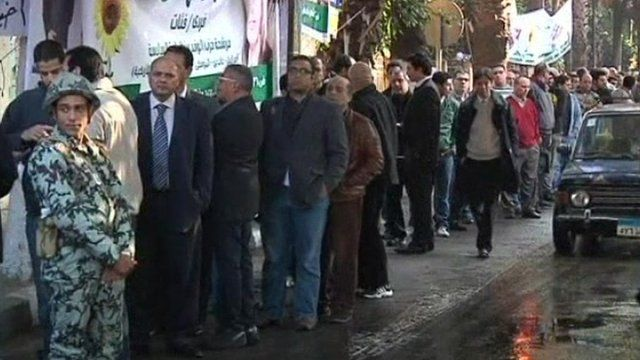 Queue at polling station in Egypt
