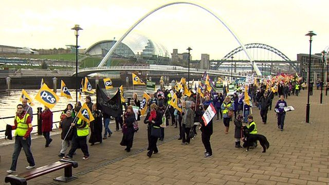Striking public sector workers on Newcastle quayside