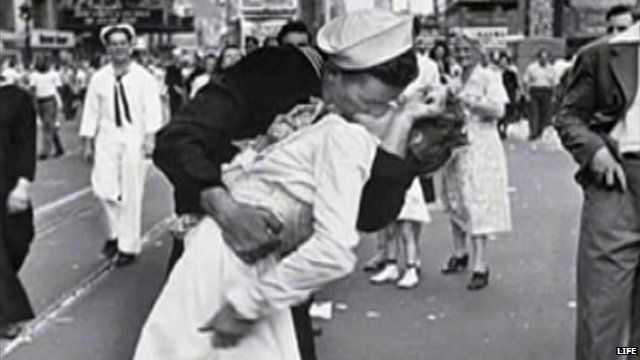 Photograph by Alfred Eisenstaedt of a sailor kissing a nurse courtesy of LIFE