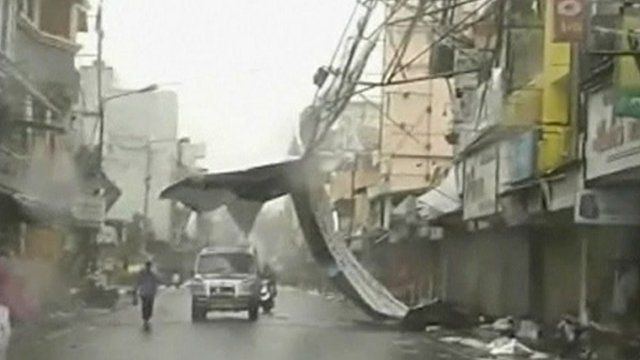 High wind destroy building