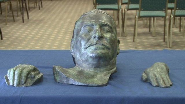 Bronze casts of Stalin's death mask and hands
