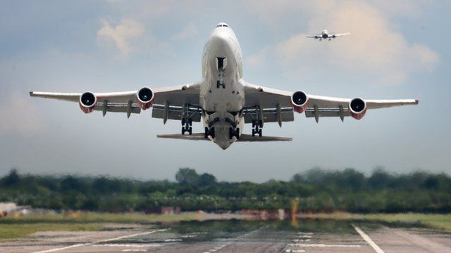 747 aircraft taking off