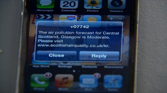 Air pollution forecast on a smartphone