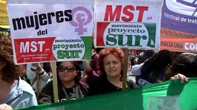 People protesting in Argentina