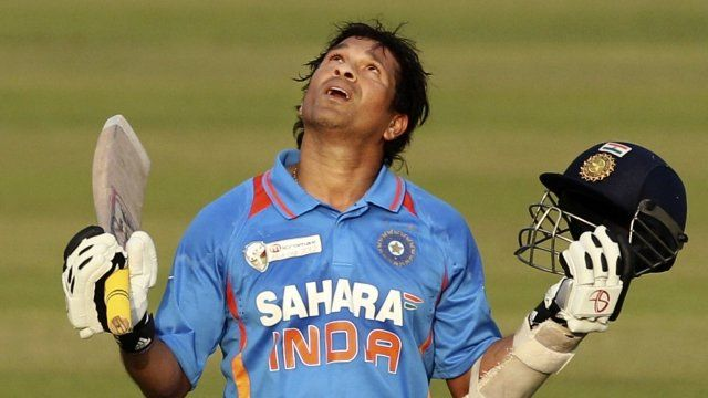Sachin Tendulkar breaks cricketing record