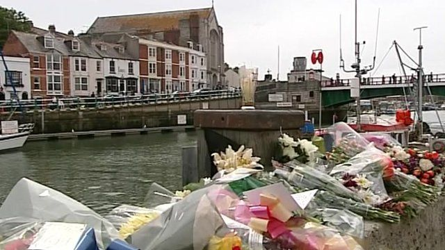 Floral tributes to missing fishermen