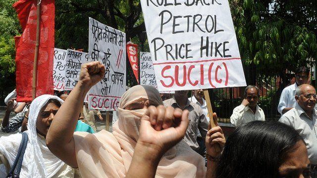 Demonstrators in Delhi protesting against petrol price rises in India