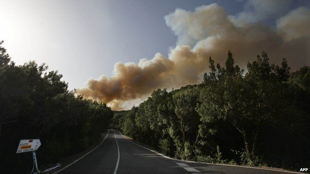 Smoke above Garajonay national park