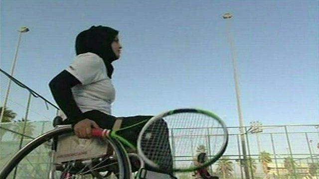Zeinab Kadhum playing tennis