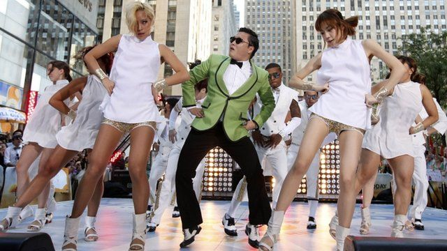 Psy and dancers
