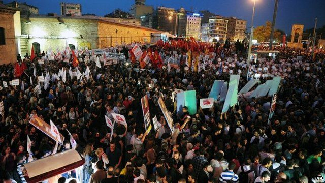 Anti-war protest in Istanbul. 4 Oct 2012