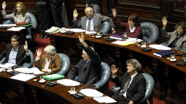 Uruguayan senators of the ruling party Frente Amplio vote in favor of legalising abortion in Uruguay