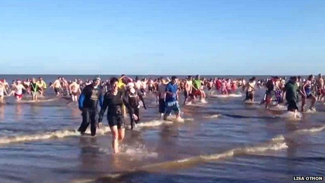 Cromer Boxing Day dippers 2012