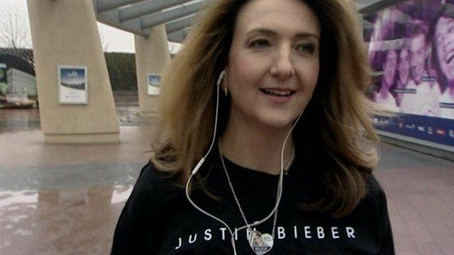 Victoria Derbyshire in Justin Bieber gear