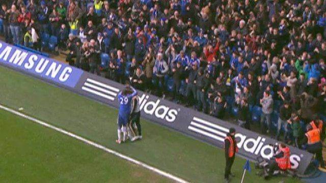 Chelsea players celebrating Frank Lampard's goal
