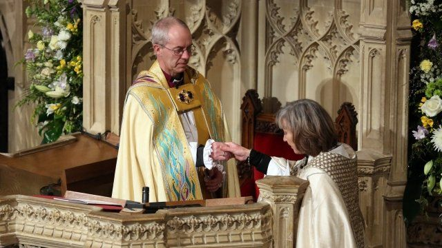 The Venerable Sheila Watson, the Archdeacon of Canterbury, enthrones Justin Welby as Archbishop of Canterbury