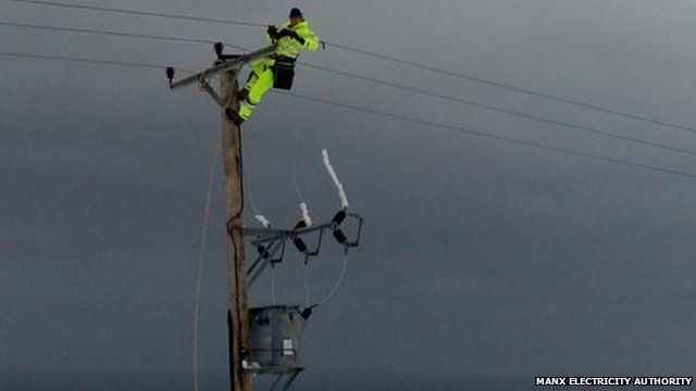 Manx electricity engineers trying to restore power