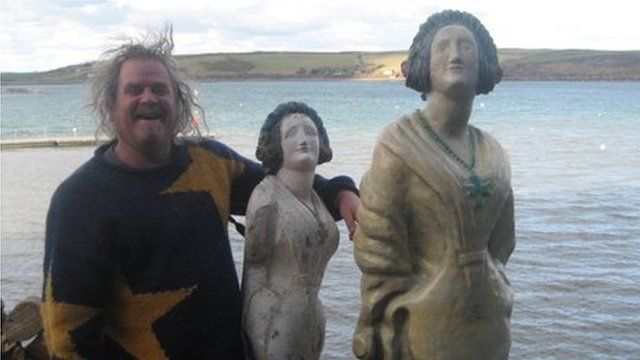 Sean Kehoe with the original Alice Williams and his replica of her