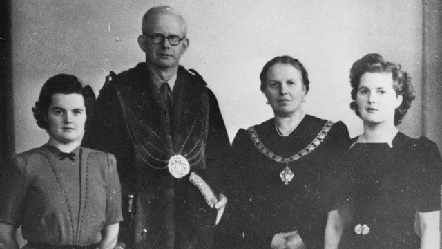 Margaret Thatcher with her parents and sister, Muriel, 1945