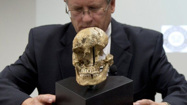 """Doug Owsley and the skull of """"Jane of Jamestown"""
