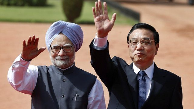 Indian Prime Minister, Manmohan Singh (left) and Chinese Premier Li Keqiang (right)