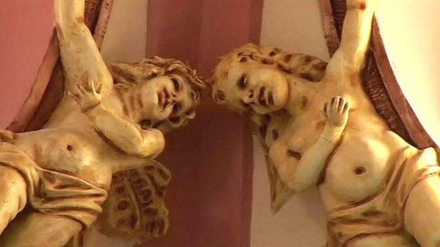 Ornamental angels at the Cuban National Ballet School