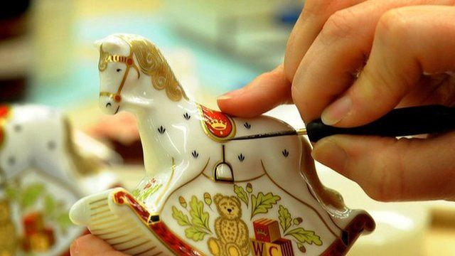Souvenir being painted