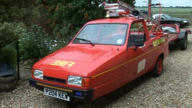 The Robin Reliant fire engine