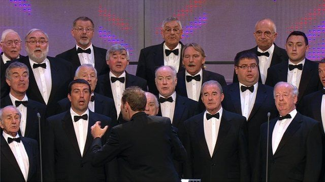 Côr Meibion dros 45 mewn nifer (28) / Male Voice Choir with over 45 members (28)