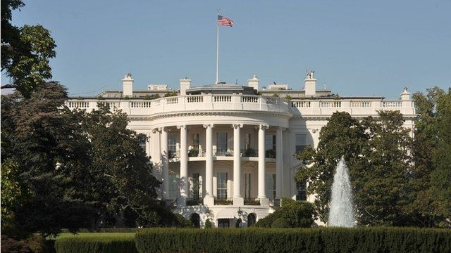 An exterior view of the White House