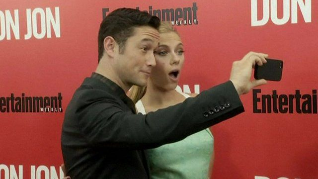 Joseph Gordon-Levitt and Scarlett Johansson