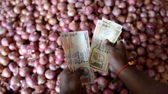 Onion trader counts money