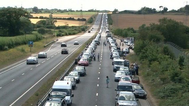 Traffic queues on the A47