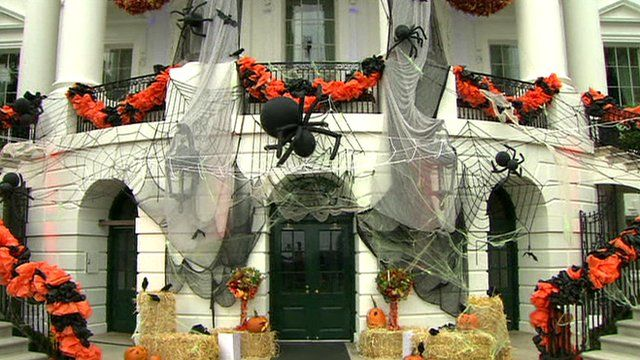 White House decorated for Halloween