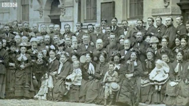 Old photo of chapel-goers