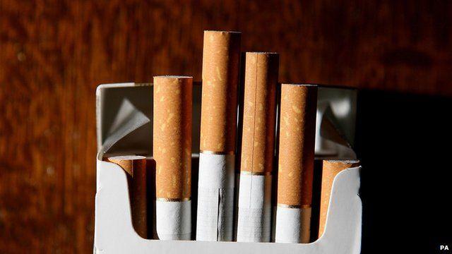 Plain cigarette packets